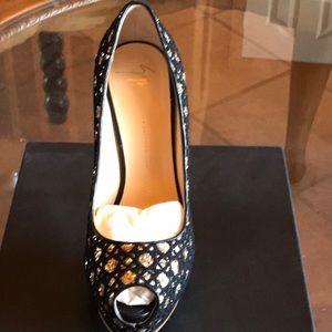 Giuseppe Zanotti Shoes - Never  worn Giuseppe Zanotti Design Sharon